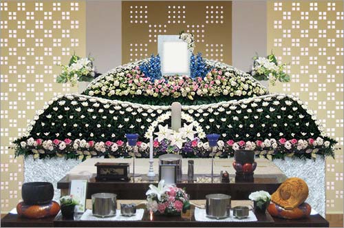 新座市営墓苑の一般葬53花祭壇イメージ1