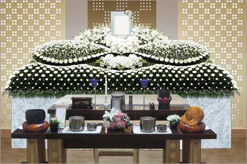 新座市営墓園 の一般葬83花祭壇イメージ1